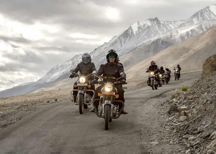 Bikers on their way to Ladakh